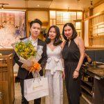 Ca sĩ Lê Hiếu bất ngờ xuất hiện tại buổi khai trương nhà hàng nướng thượng hạng