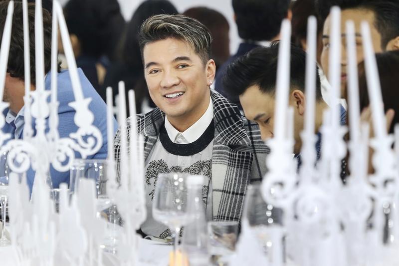 """""""Ông hoàng nhạc Việt"""" Đàm Vĩnh Hưng cũng tham dự show diễn của NTK Lý Quí Khánh."""
