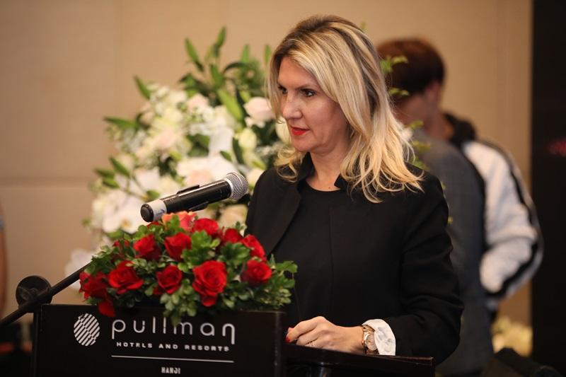 Chủ tịch của Lysedia – bà Isabelle Margnat tự hào chia sẻ về sứ mệnh của Lysedia tại buổi họp báo ra mắt thương hiệu tại Việt Nam.