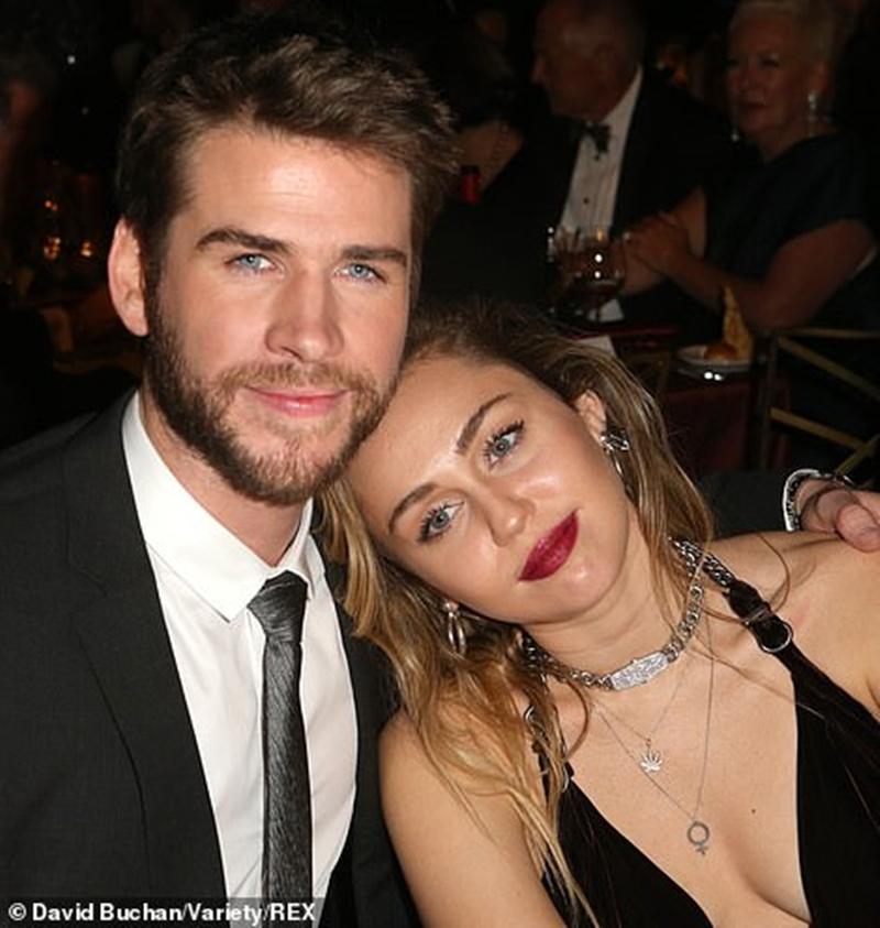 Tờ UsWeekly cũng tiết lộ Miley đang mang thai chỉ là tin đồn. Nhưng đó cũng là điều mà vợ chồng Liam đang mong chờ, sau bao lần tan - hợp, những đứa con sẽ là mảnh ghép hoàn hảo cho tổ ấm của cả hai.