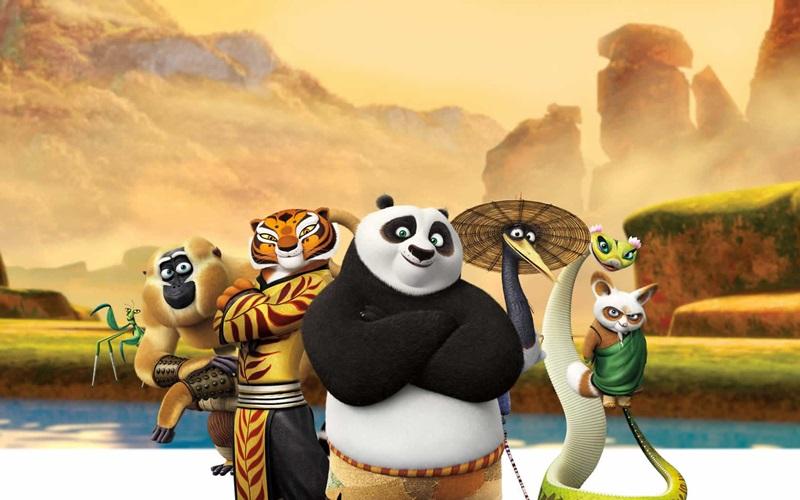 Gấu Po tuy béo bụng nhưng đã trở thành cao thủ võ lâm nhờ sự chỉ dạy của các sư phụ.