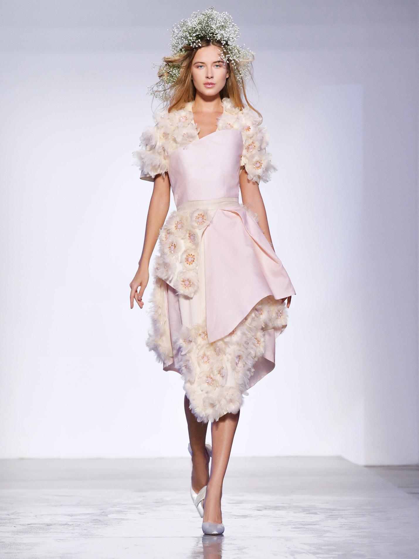 Năm 2017, PHUONG MY lần đầu công phá tuần lễ thời trang Dubai Fashion Week và để lại ấn tượng cực kỳ tốt đẹp đối với giới mộ điệu thời trang trong và ngoài nước.