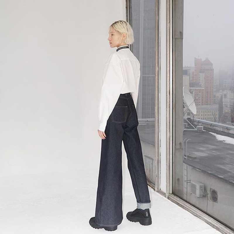 quan-jeans-bat-doi-xung-asymmetric-jeans-ksenia-schnaider-02