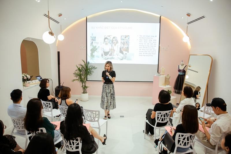 Ra trung tâm tư vấn và xây dựng phong cách cá nhân chuyện nghiệp tại Việt Nam
