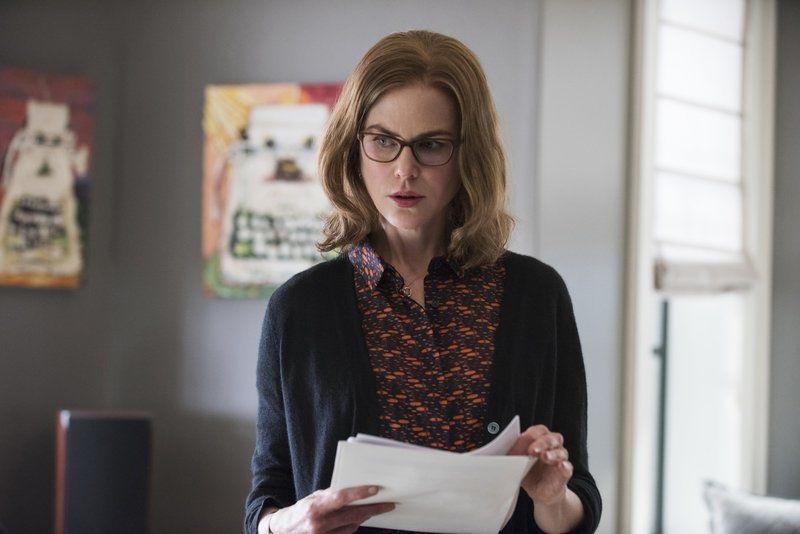 """""""Nữ hoàng Atlanna"""" của Aquaman Nicole Kidman trở thành cô thư kí xinh đẹp trong phim hài mới"""
