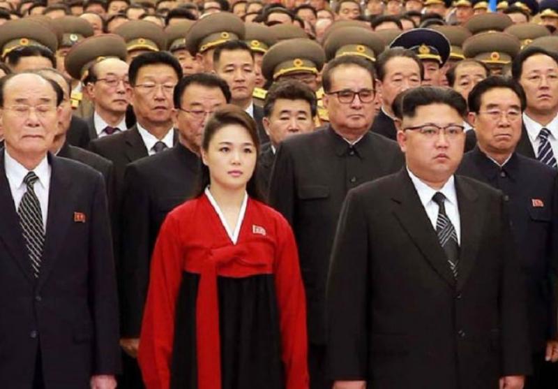 Trước đây, bà Ri Sol-ju thường diện Hanbok truyền thống