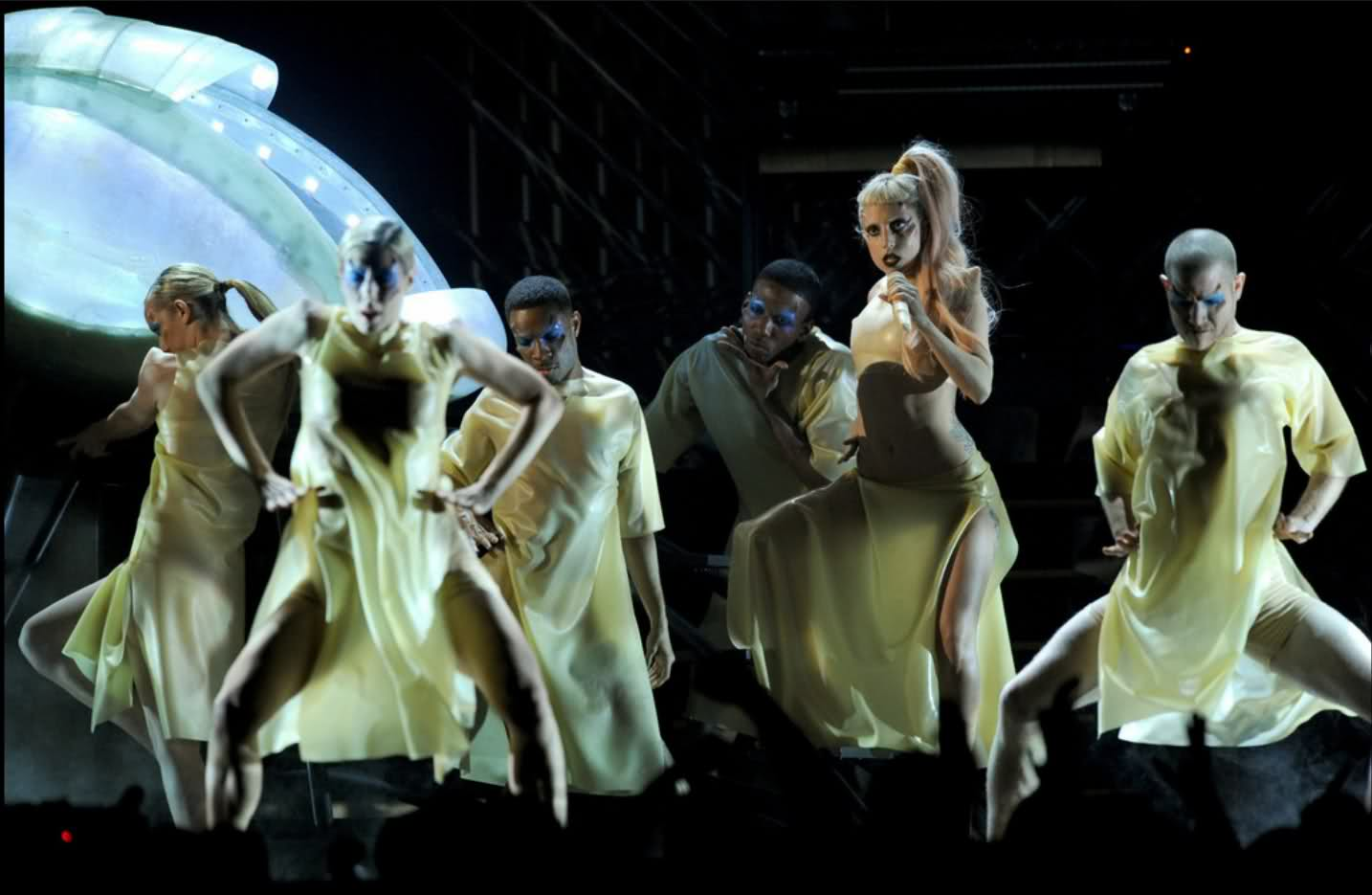 lady-gaga-born-this-way-grammy-performance-2011-billboard-hot-100-number-1-egg1