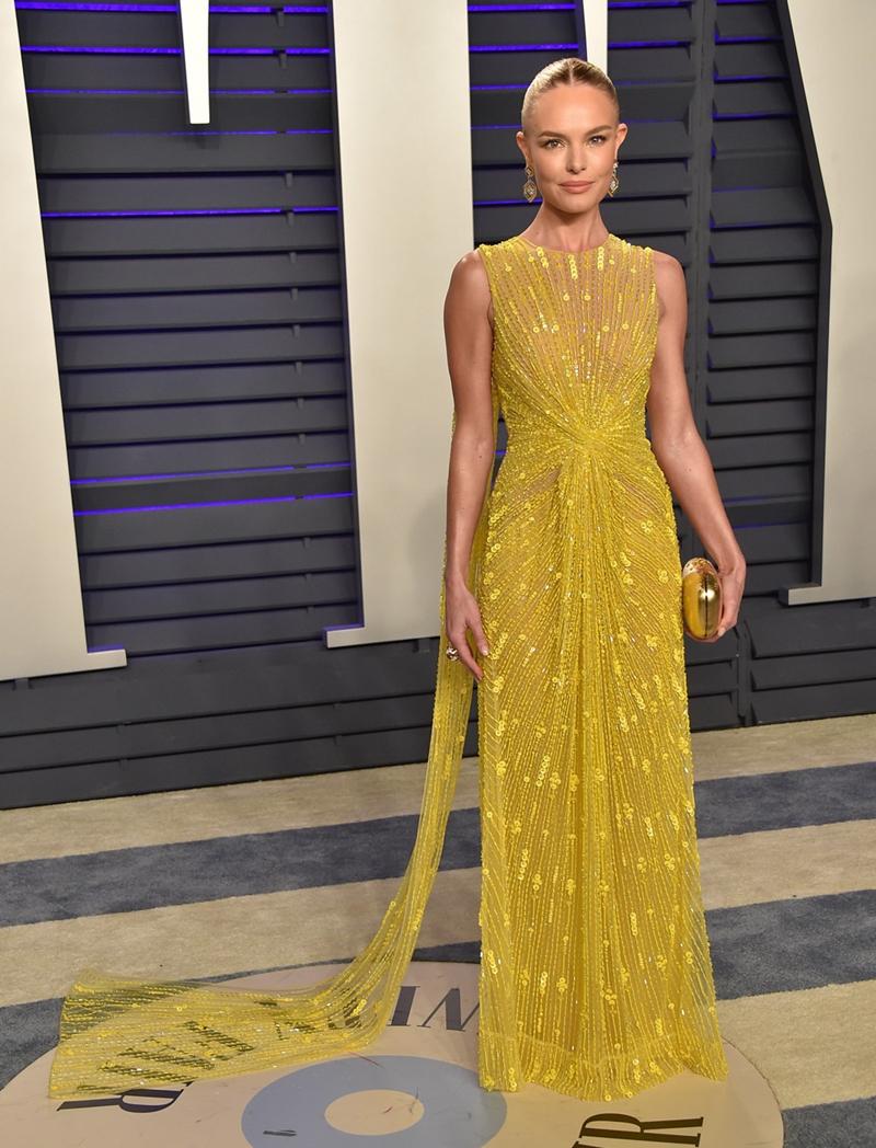 Tuy nhiên, thiết kế được nhiều người hâm mộ khen ngợi lại là bộ váy vàng mà Kate Bosworth đã chọn.