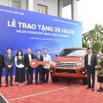 Quỹ Toyota Việt Nam tặng xe Hilux cho tỉnh Tuyên Quang