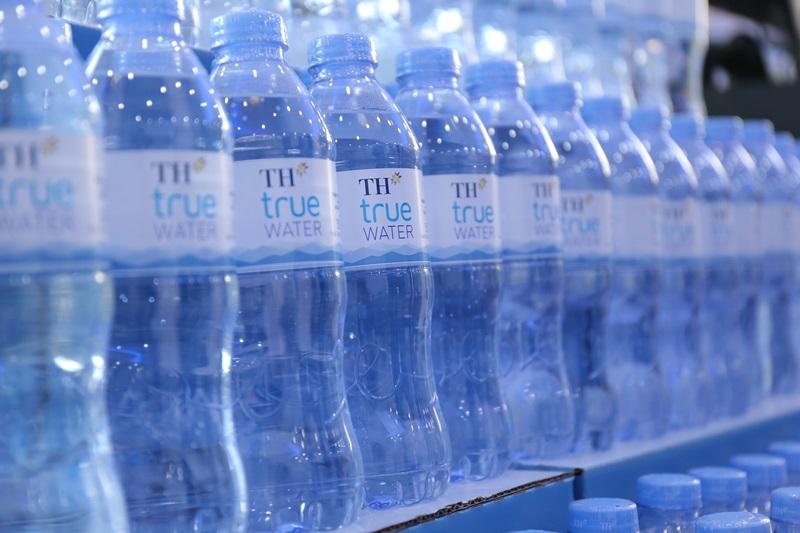 TH true WATER: Nguồn nước quý triệu năm từ lòng núi lửa