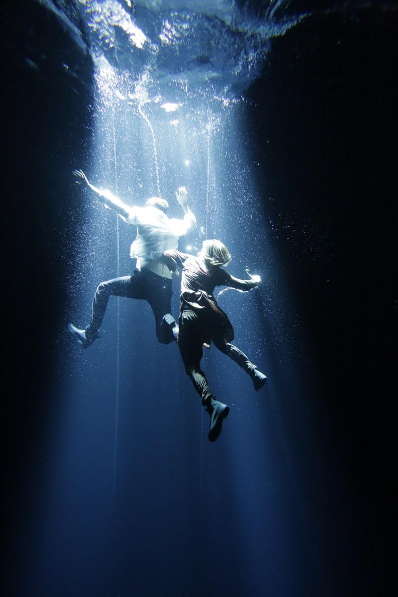 Phim có nhiều cảnh quay hành động ngoạn mục dưới nước.