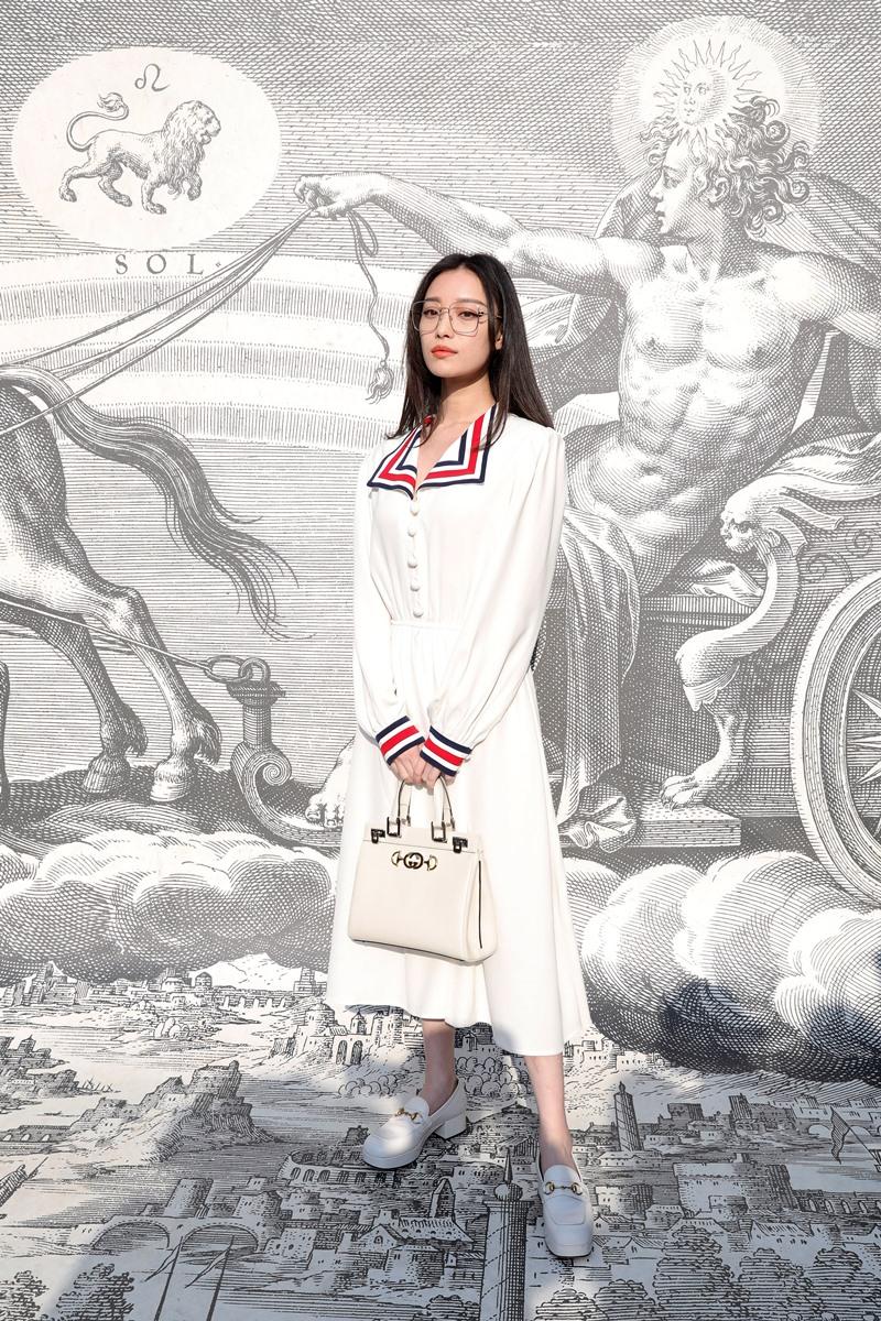 Nghê Ni toát lên vẻ đẹp thanh khiết trong bộ trang phục với tông trắng chủ đạo. Ai cũng phải giật mình khi biết cô đã bước sang tuổi 31.