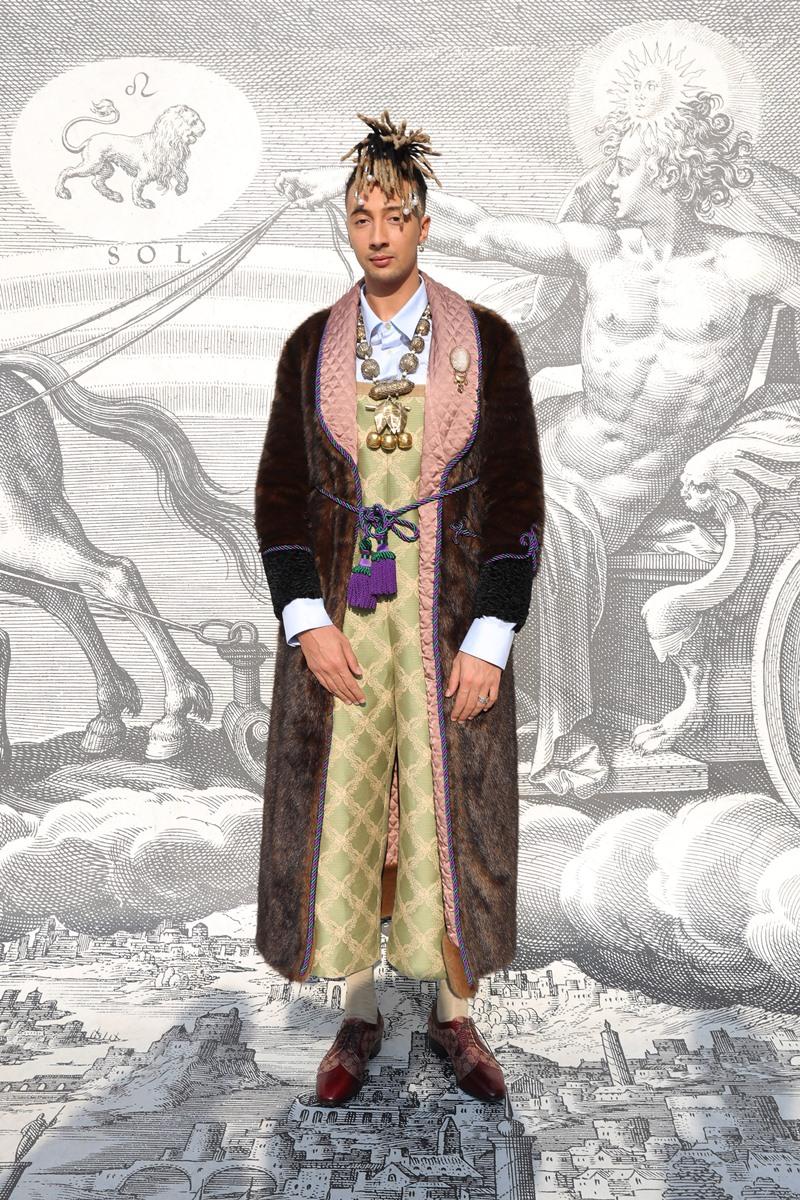 Rapper sành điệu người Ý Ghali là gương mặt quen thuộc tại những sự kiện thời trang.