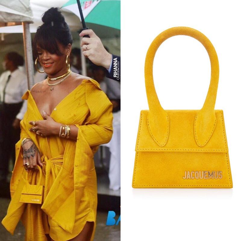 Rihanna trong thiết kế của Jacquemus và chiếc túi xách Le Chiquito phiên bản nhỏ mang tông màu vàng ánh mặt trời.