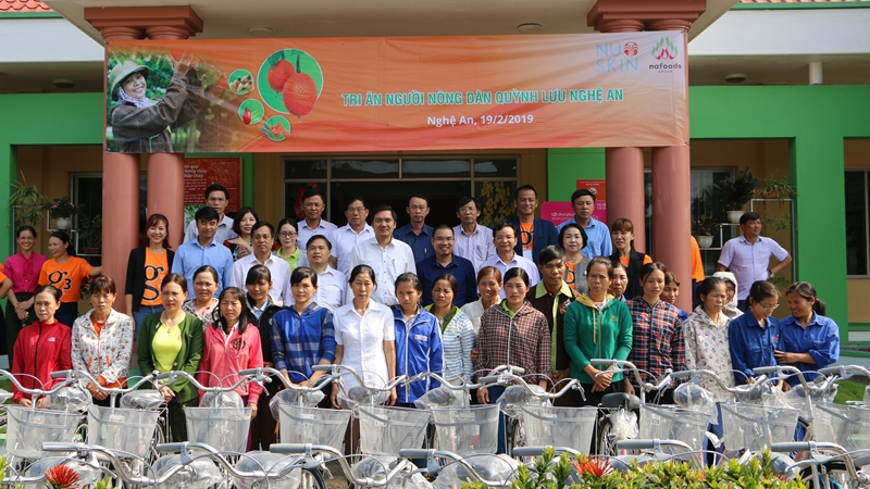 Nu Skin Việt Nam trao tặng 30 xe đạp cho nông dân Nghệ An