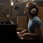 Những hình ảnh đầu tiên về huyền thoại Elton John trên màn ảnh rộng