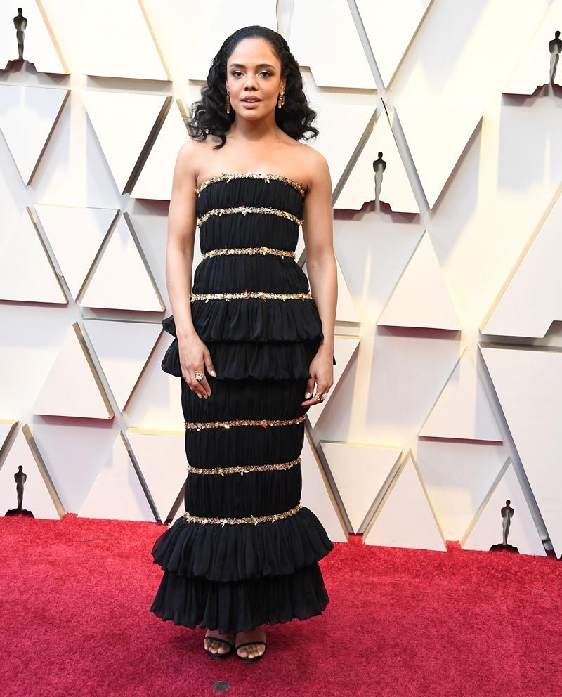 Tessa Thompson trên thảm đỏ Oscar 2019 vừa qua trong thiết kế đầm couture của Chanel.