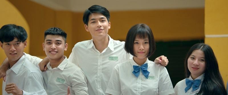 """Pha Lê (Hoàng Oanh) và Duy (Trần Quốc Anh) có một mối tình đẹp trong """"Ước hẹn mùa thu""""."""