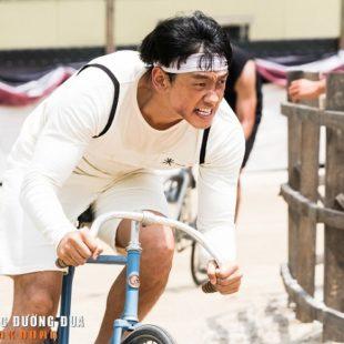 """Bi Rain trở thành vị anh hùng cứu nước trong """"Ông hoàng đường đua"""""""