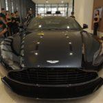 """""""Mãnh thú săn mồi"""" và """"biểu tượng huyền thoại James Bond"""" của Aston Martin cập bến Việt Nam"""
