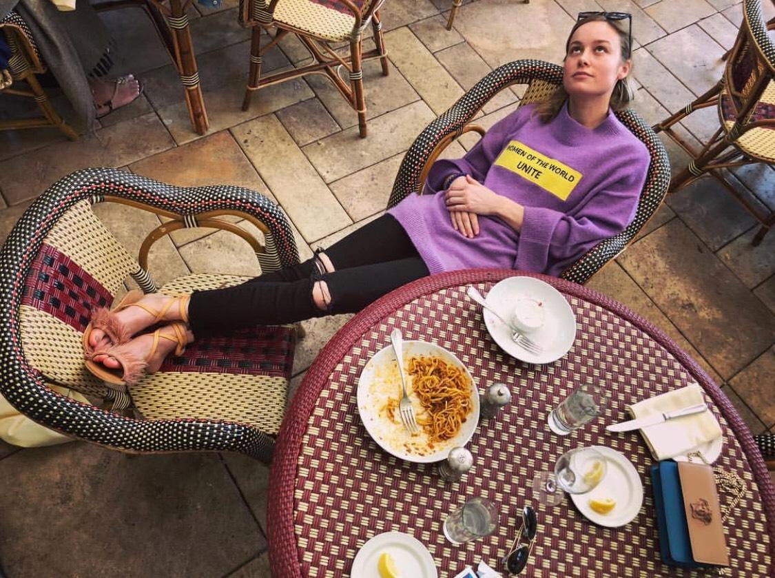 Tuy tập luyện khắc nghiệt nhưng Brie Larson khá thoải mái trong ăn uống, nhưng vẫn rất khoa học.