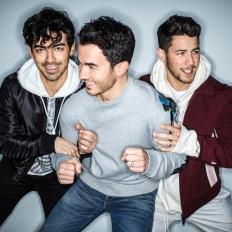 BTS và Jonas Brothers: Ai sẽ xưng vương trong năm 2019?