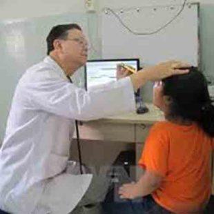 """Tạm đình chỉ công tác một bác sỹ """"vòi"""" tiền bệnh nhân"""