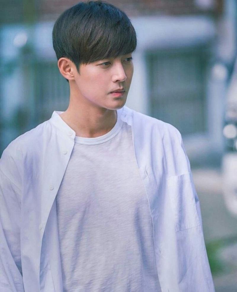 Seungri, Jung Joon-young