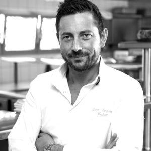 Bếp trưởng trẻ nhất tại Pháp đạt sao Michelin đến Hà Nội