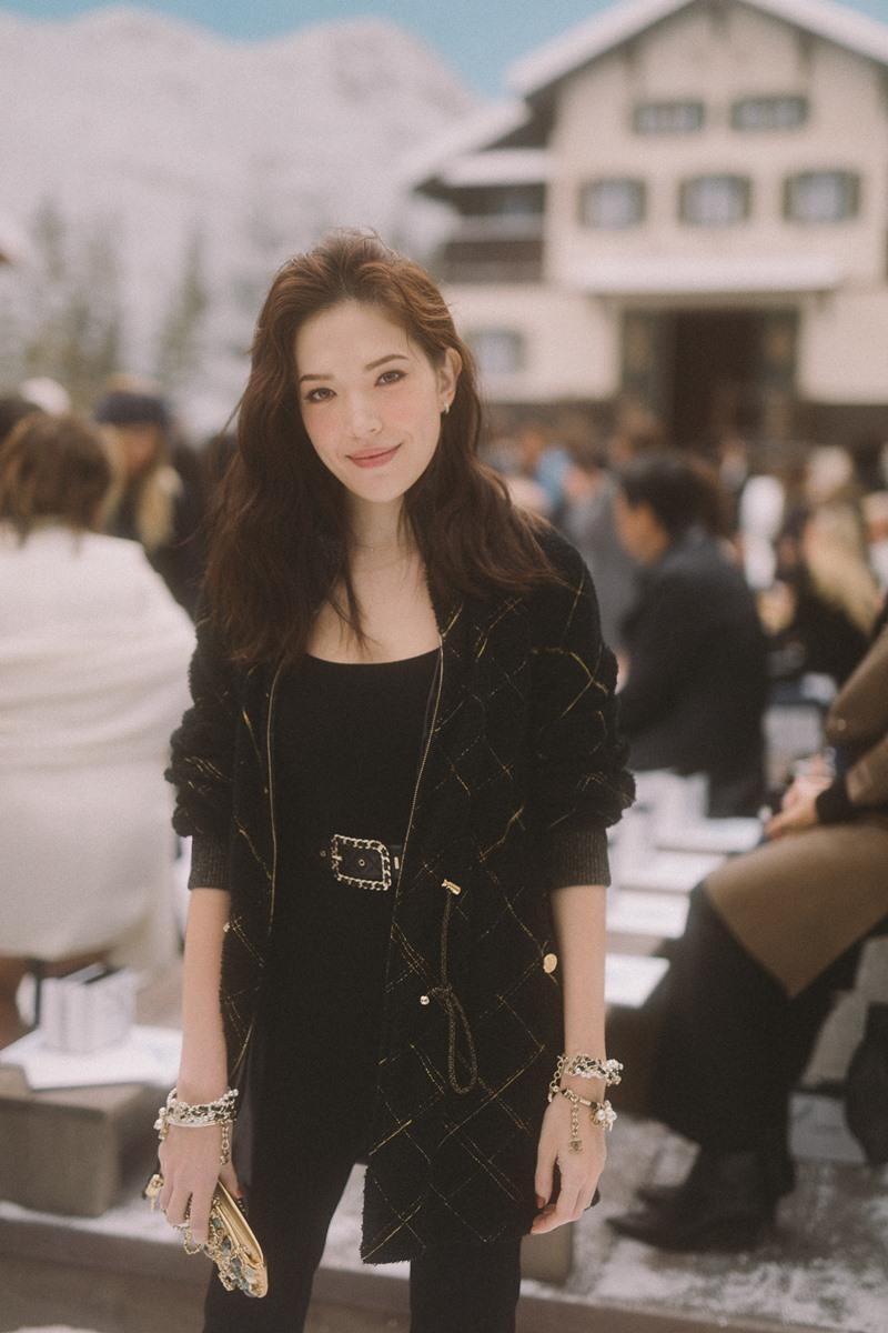 Mỹ nhân xứ Đài Hứa Vỹ Ninh góp mặt vào dàn mỹ nhân châu Á hùng hậu tại show Chanel.