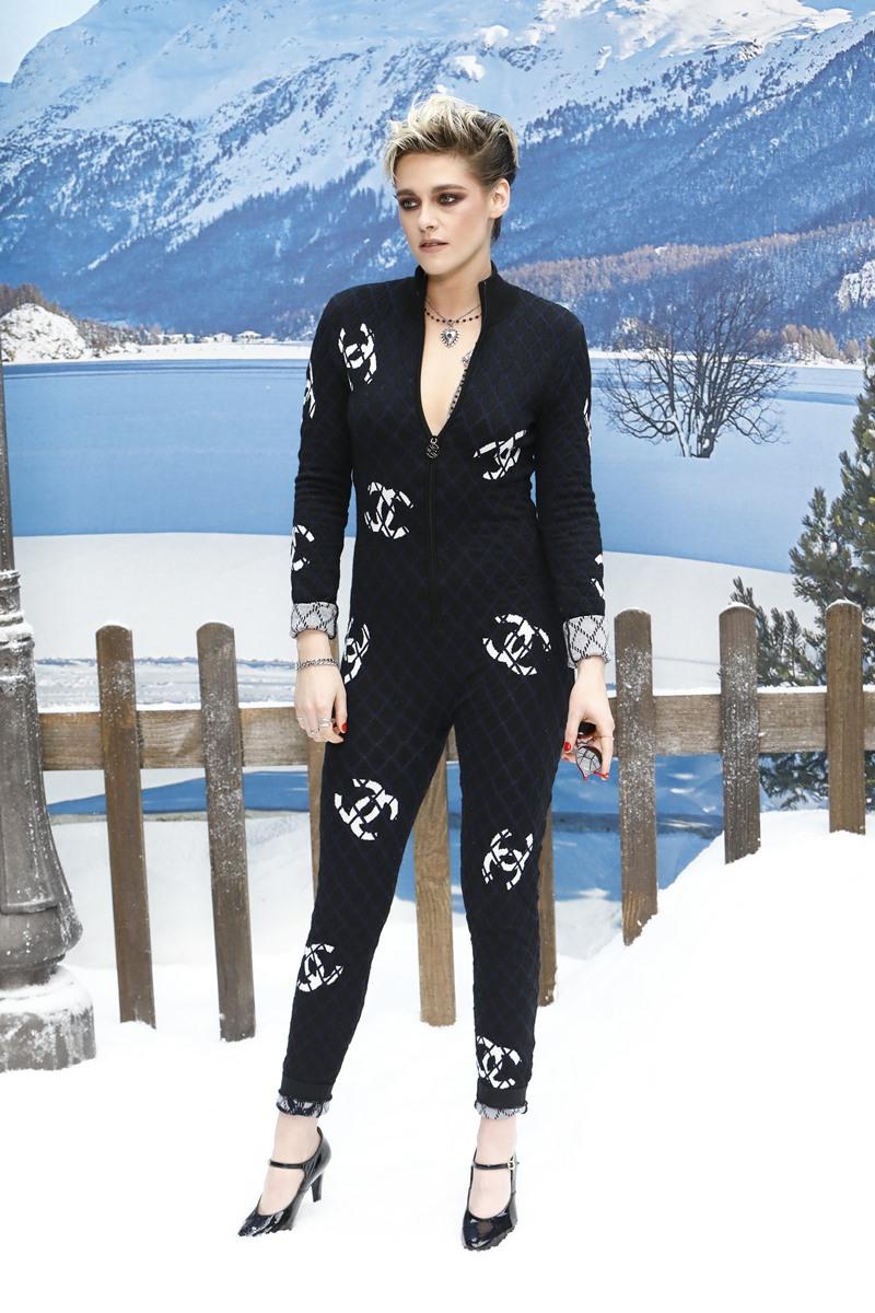 Kristen Stewart - gương mặt quảng cáo của nước hoa Gabrielle - chinh phục mọi ánh nhìn với phong cách thời trang không lẫn vào đâu được.