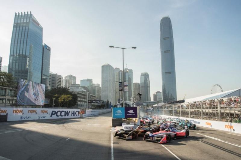 """GEOX đồng hành cùng """"Giải đua xe Formula E"""" với khung cảnh ngoạn mục tại Hồng Kông"""