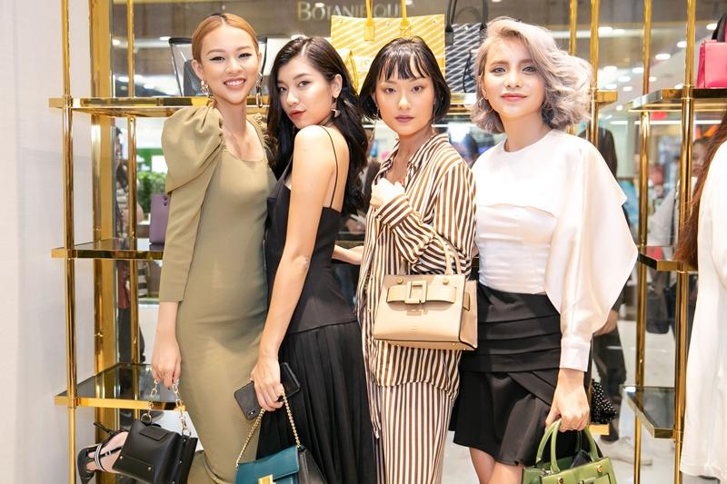 Ba người đẹp bước ra từ The Face: Phí Phương Anh, Đồng Ánh Quỳnh, Hồ Thu Anh, Linh Chi.