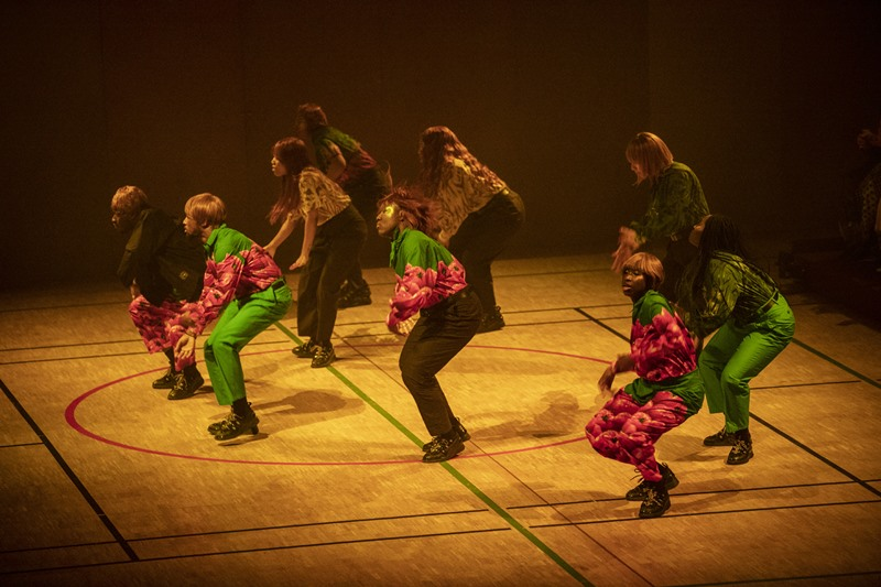 Những màn trình diễn ấn tượng trên sân khấu ra mắt BST Memento No.4 của Kenzo.