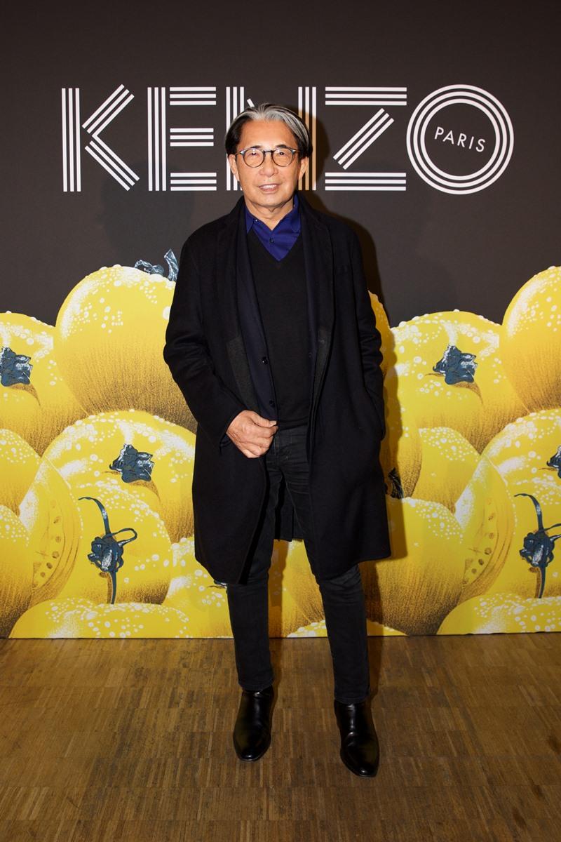 NTK Kenzo Takada, cha đẻ của thương hiệu Kenzo cũng có mặt chiêm ngưỡng show trình diễn những sáng tạo từ bộ đôi Giám đốc Sáng tạo Humberto Leon và Carol Kim.