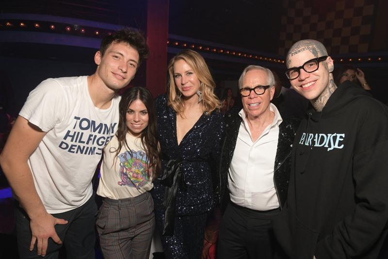 NTK Tommy Hilfiger và gia đình của mình.