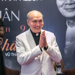 """Nhạc sĩ Vũ Thành An gọi """"bông hồng lai"""" Ngọc Châm là """"hậu duệ"""" và lý giải về những ca khúc """"Không tên"""""""