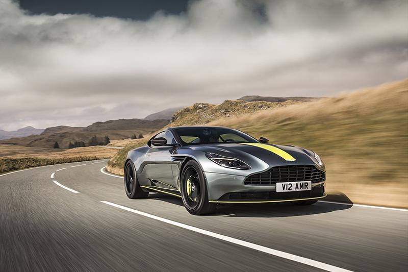 """Mẫu xe DB11 AMR của Aston Martin có gì đặc biệt mà """"Điệp viên 007"""" sử dụng"""