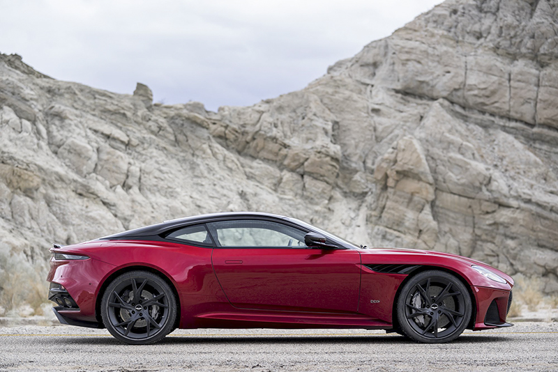 Aston_Martin_DBS Superleggera