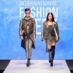 Hoa hậu Thuỳ Dung tái xuất catwalk dưới mưa ở Pleiku