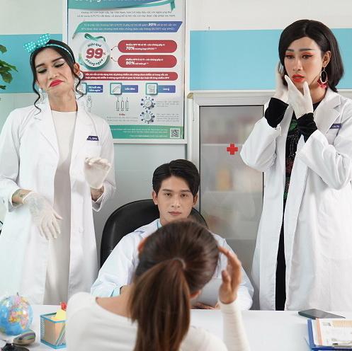 """Cười không kịp thở với """"meme"""" 2 nữ y tá đanh đá Hải Triều và BB Trần"""