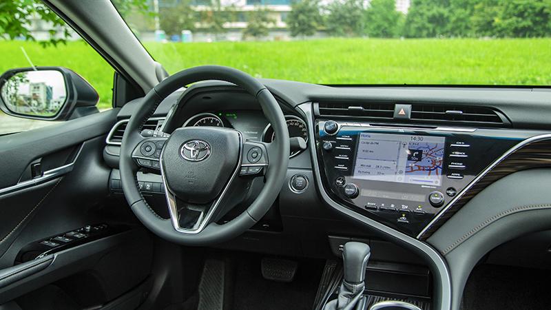 Toyota-camry-2019