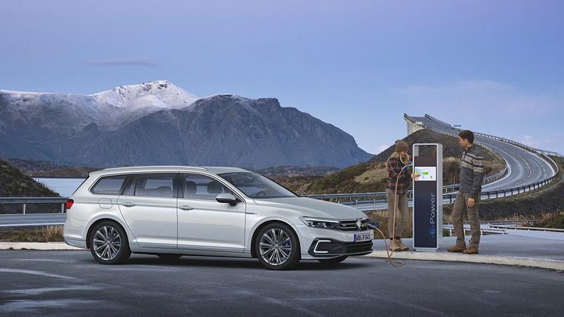 Volkswagen xuất xưởng chiếc Passat thứ 30 triệu trên thế giới