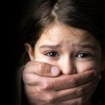 Chia sẻ clip bé gái bị gã đàn ông sàm sỡ: bạn có đang tiếp tay cho ấu dâm?