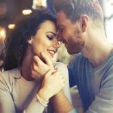 """Phụ nữ tài tình hơn đàn ông khi che đậy việc """"cắm sừng"""" người khác"""