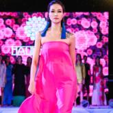 """Suýt """"bể show"""", NTK Hà Linh Thư vẫn hoàn thành buổi ra mắt BST """"Nghệ thuật và Hạnh phúc"""" một cách trọn vẹn"""