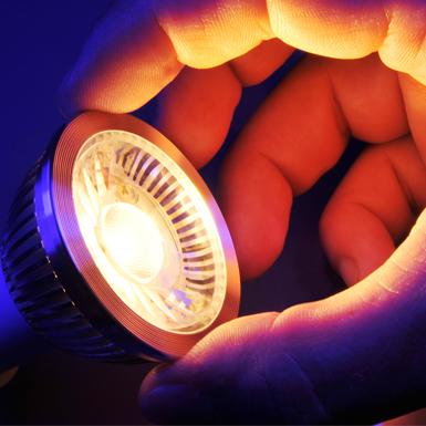 Cảnh báo những nguy cơ của đèn LED đối với sức khỏe con người