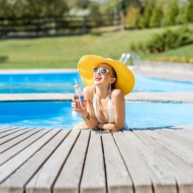Mùa hè dùng kem chống nắng đã đủ cho da tránh bị thâm nám chưa?