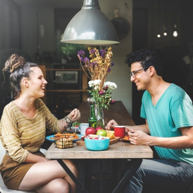 Đàn ông luôn là người trả tiền cho các buổi hẹn hò?