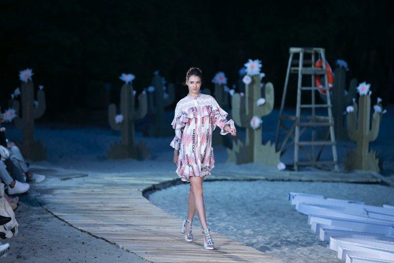 younhee park, fashion voyage, lost in wonder, thời trang, bộ sưu tập, minh hằng, hồng quế,